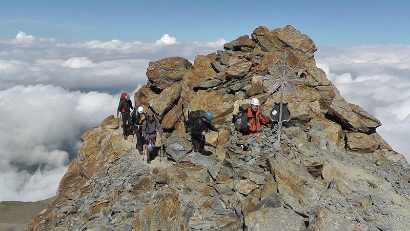 По пътеката към хижа Тет Рус под връх Монблан