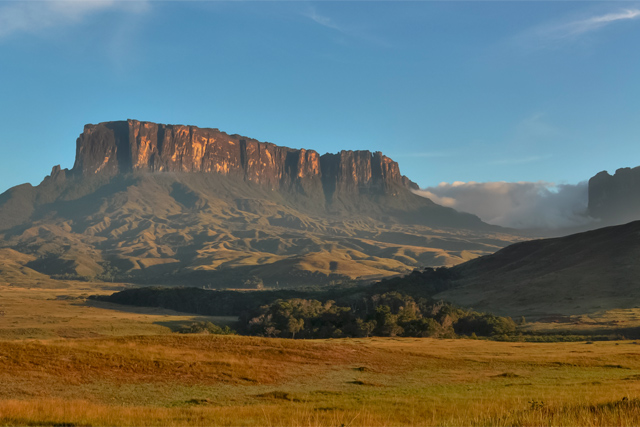 Пътешествие до Изгубеният свят на планината Рорайма и водопада Анхел във Венецуела