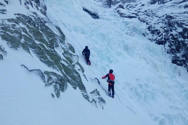 Beginners Ice Climbing on Skakavitsa, Bulgaria